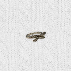 2/$20‼️ VINTAGE SILVER CRYSTAL BOW RING